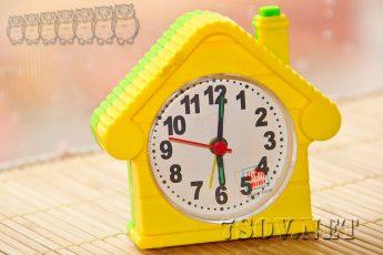 Почему не стоит утром переставлять будильник